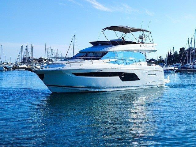 PRESTIGE 520 FLY - 850 000 €